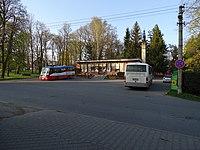 Strančice, Průmyslová 272, potraviny, autobusová otočka, autobusy.jpg