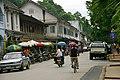 Street Scene Luang Prabang - panoramio.jpg