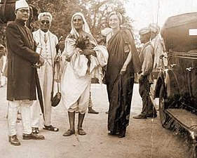 Subhas Bose in Dalhousie with Miraben, Dr and Mrs Dharamvir 1937