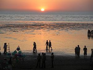 Valsad - Image: Sun Down at Tithal beach