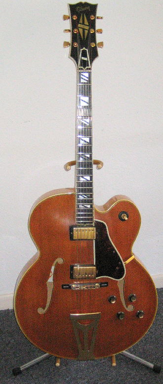 Archtop guitar - The Gibson Super 400 CES, an electric archtop.