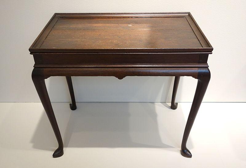 File:Tea Table, New York City, 1730-1745, mahogany - Chazen Museum of Art - DSC02523.JPG