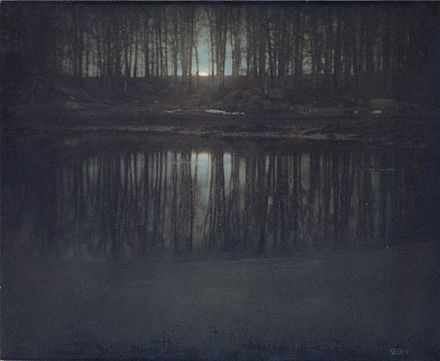 The Pond--Moonlight, fotografía realizada en Mamaroneck en 1904.