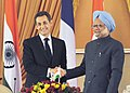 The President of France, Mr. Nicolas Sarkozy with the Prime Minister, Dr. Manmohan Singh, during the joint press conference, in New Delhi on December 06, 2010.jpg