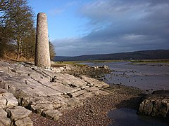 The chimney near Jenny Browns Point (geograph 3312044).jpg