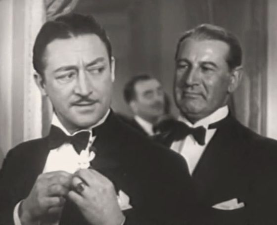 Avec Morgan Wallace (à d.), dans The Headline Woman (1935)