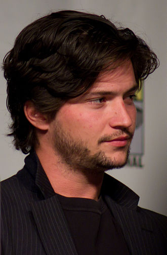 This Kiss (Carly Rae Jepsen song) - American actor Thomas McDonell made a cameo appearance.