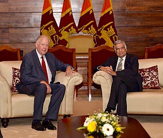 Ranil Wickremesinghe - Prime Minister Wickremasinghe with Thomas Shannon