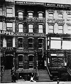 Editoriali di Tin Pan Alley nei pressi di Broadway.