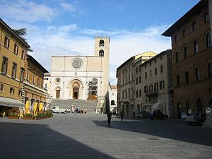 Todi - The Duomo in the sloping Piazza del Popolo.