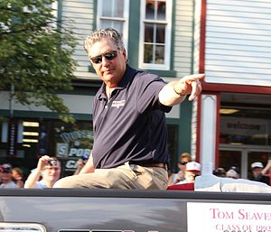 Tom Seaver - Seaver at the 2011 Hall of Fame induction parade
