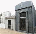 Tombs at Cementerio de la Recoleta in Buenos Aires, Argentina (15940904705).png