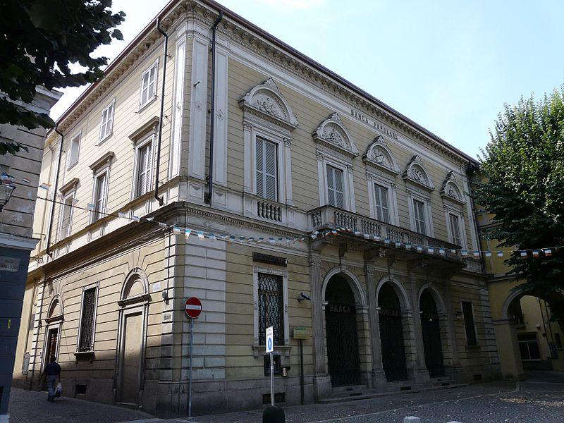 File:Tortona-palazzo del banco popolare.jpg