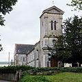 Tour-porche de l'église Saint-Pierre (Vaux-sur-Seulles, Calvados, France).jpg