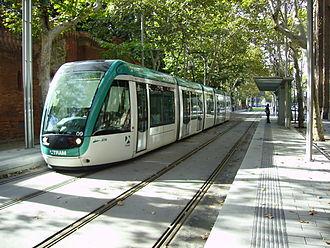 Trambesòs - A tram standing at Wellington stop
