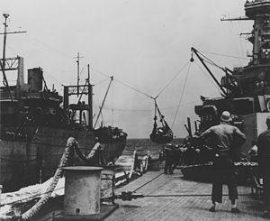 USS Washington supply transfer at sea NARA BS 111671.jpg