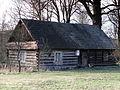 Ulanów, Zwolaki 10 - drewniany budynek (1).jpg