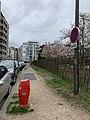 Une borne à incendie Rue du Parc (Lyon).jpg