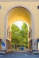 UniKlinik-Freiburg-Haupteingang jm21076.jpg