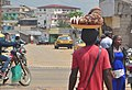 Vendeur ambulant de noix de coco.jpg