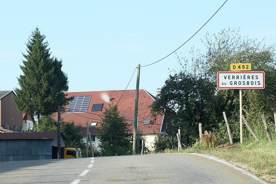 Entrée de Verrières-du-Grosbois (Doubs).