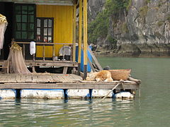 Vietnam 08 - 51 - Halong Bay floating village (3170205623).jpg