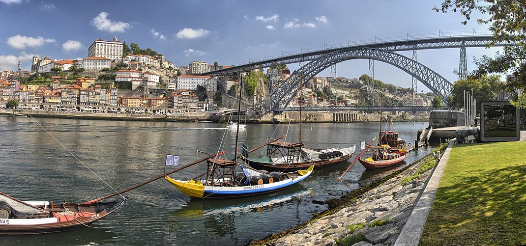 View of Porto from View of Porto from Vila Nova de Gaia.jpg