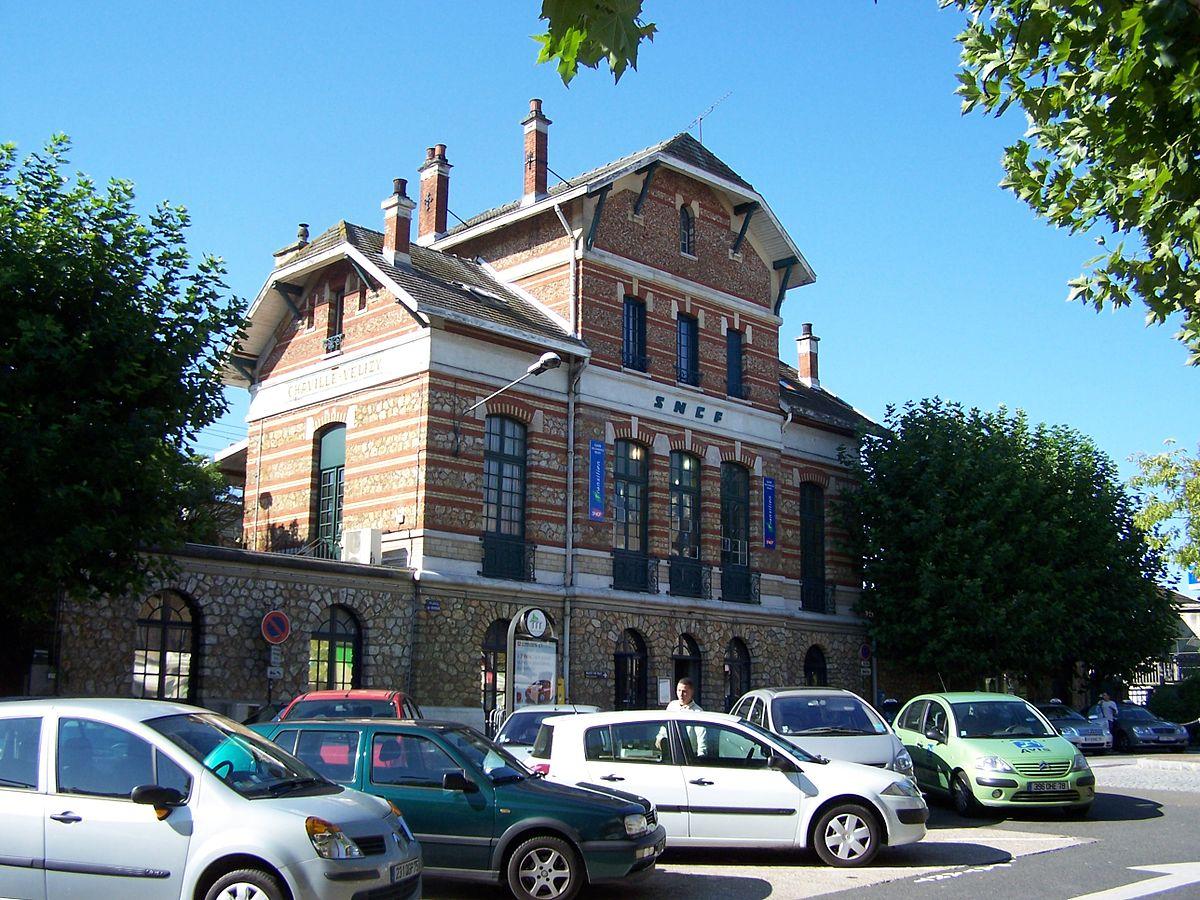 Chaville v lizy station wikipedia for Piscine viroflay