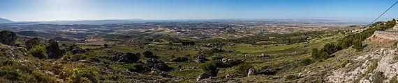 Vista desde el balcón de El Buste, Zaragoza, España, 2017-05-23, DD 74-78 PAN.jpg