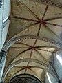 Voûte de la nef (église de Lisle-sur-Tarn).jpg