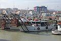 Vongolare nel porto di Fano.jpg