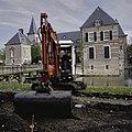 Werkzaamheden tijdens aanleg van nieuwe wandelpaden in park - Ambt Delden - 20389118 - RCE.jpg