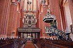 Wismar, St. Nikolai, Blick auf Orgel und Kanzel.JPG