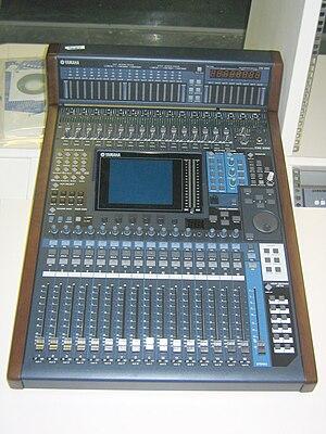 Tipos y partes de las mesas de mezclas introaudiodigital for Media markt mesa de mezclas