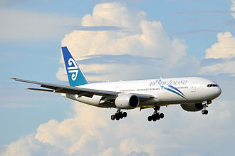 Boeing 777 - Air New Zealand 777-200ER on final approach
