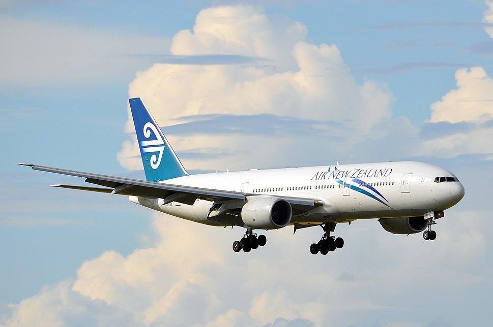 Boeing 777 - Howling Pixel