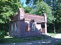 Zabytkowa budowla w Parku im. Sowińskiego w Wyszkowie - panoramio.jpg