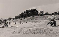Zamora. 1979 o 80 - Aventando, separando al aire el grano de la paja.tif