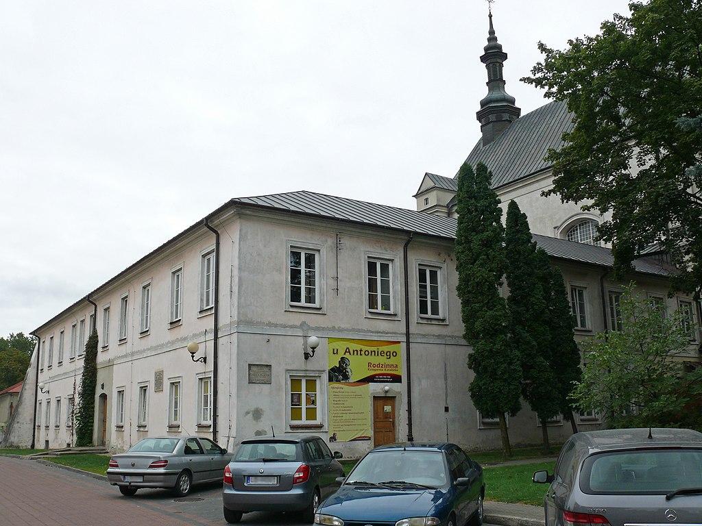 Filezespół Klasztorny Reformatorów Klasztor Obecnie Liceum