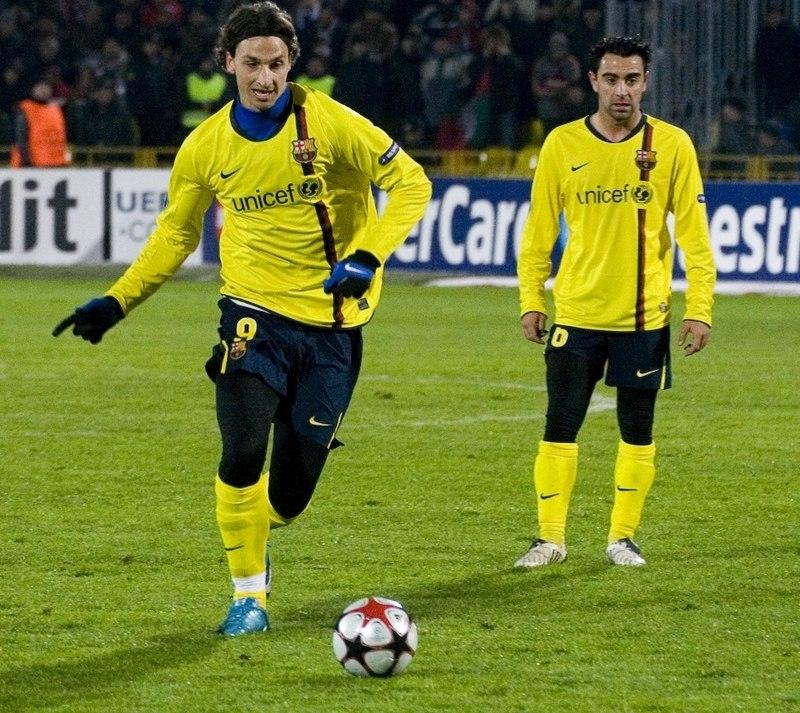 Zlatan Ibrahimovic y Xavi Hernandez
