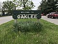 """""""Welcome to Oaklee"""" sign in median, Southwestern Boulevard west of Custer Road, Baltimore, MD 21229 (47692360861).jpg"""