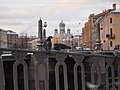 Голуби на фоне Свято-Исидоровской церкви - panoramio (1).jpg