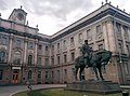 Памятник Александру III на фоне мраморного дворца.jpg