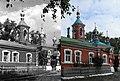 Свято-Троицкая (красная) церковь1 1932 vs 2011.jpg