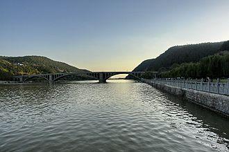Yi River (Henan) - The Yi River near Longmenshan