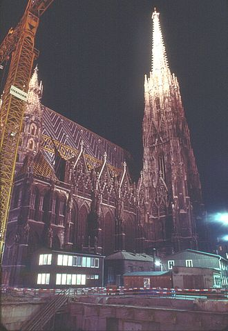 Stephansplatz (Vienna U-Bahn) - Night view of excavations for the station in front of St. Stephen's Cathedral, June 1975