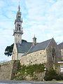 02 Bourg-Blanc Ossuaire et église paroissiale.JPG