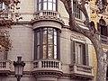 076 Edifici al pg. de Gràcia, 80 (Barcelona), cantonada c. Mallorca, tribuna.jpg