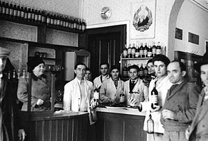 Păstorel Teodoreanu - The restaurant section of a Romanian consumer cooperative, 1950