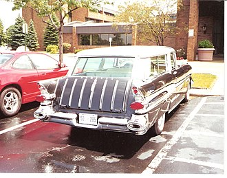 Pontiac Safari - 1957 Pontiac Star Chief Custom Safari 2-door station wagon